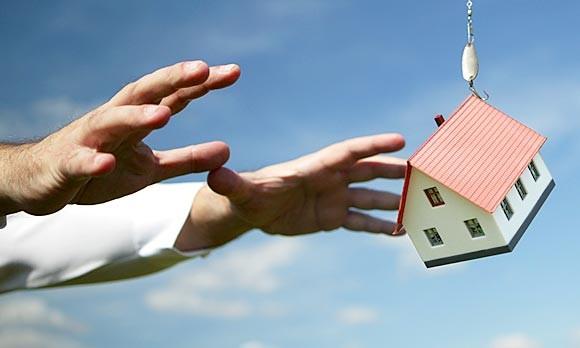 Коллекторы отбирают жилье